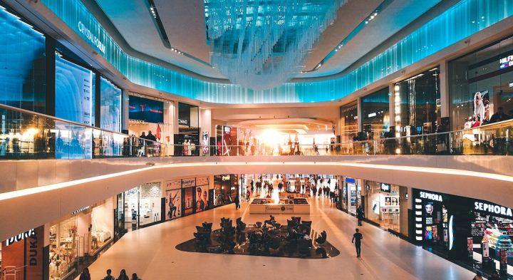 un centro commerciale, realtà virtuale per eventi retail